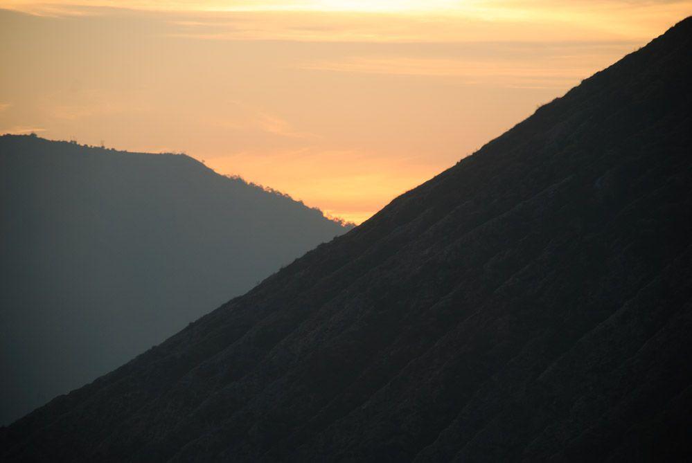 atardecer-volcán-Java