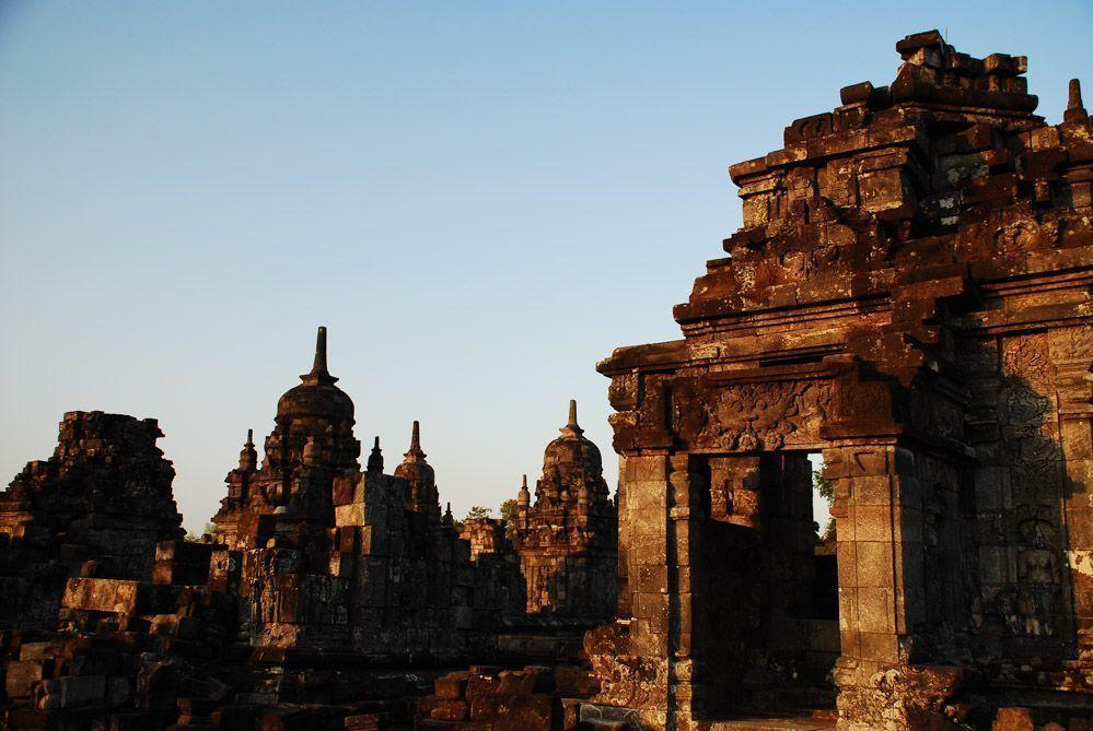 Atardecer-templos-Java