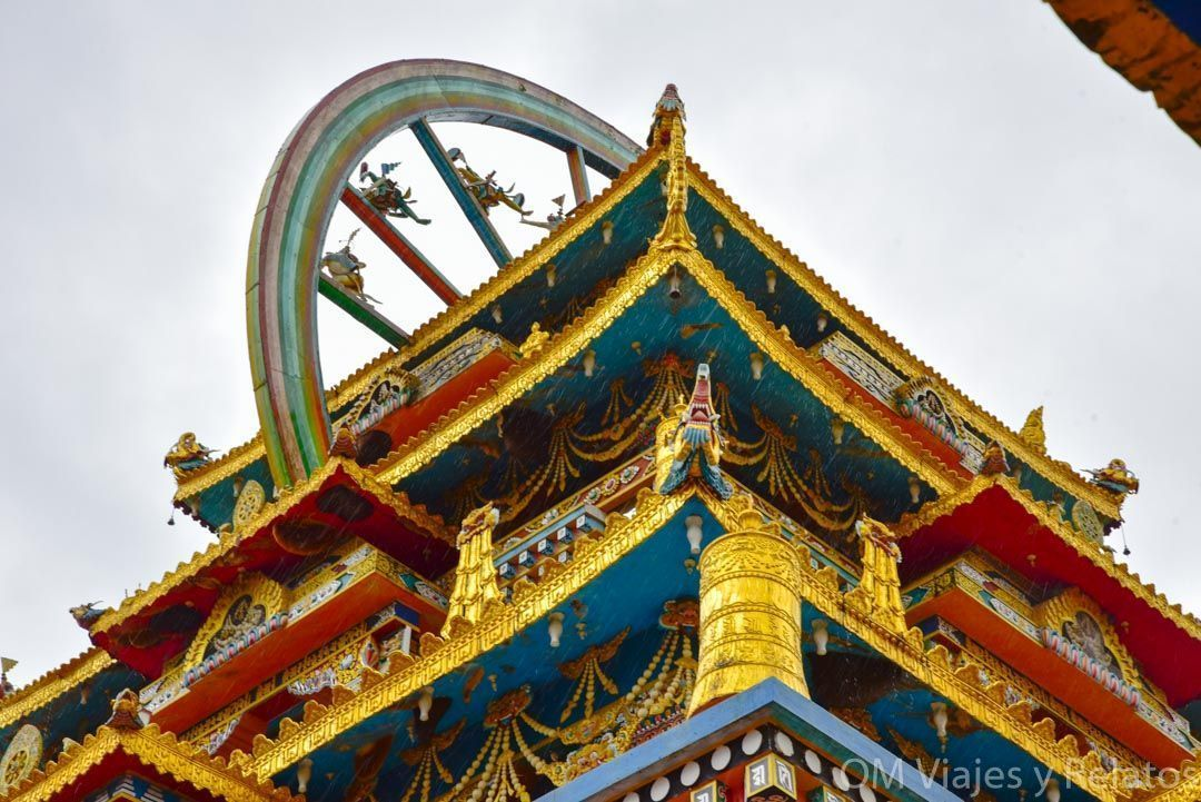 El-Monasterio-de-oro-Namdroling