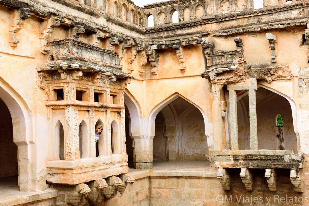 Los-baños-de-la-Reina-Hampi-India