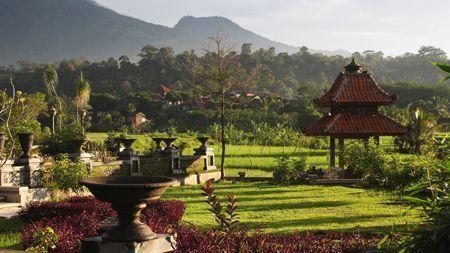 los-9-templos-de-Gedong-Songo-en-el-volcán