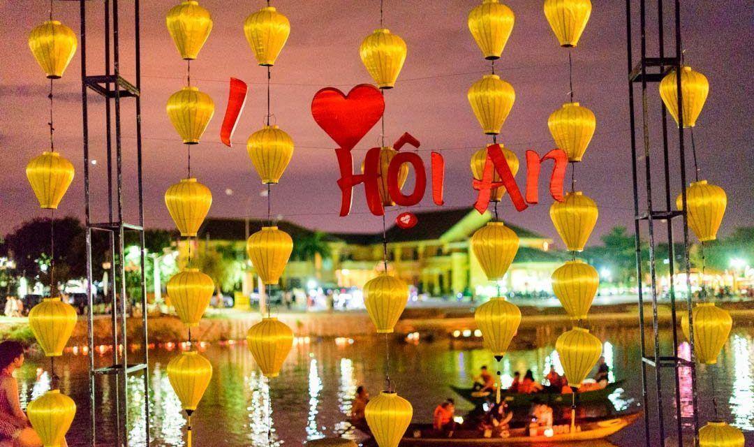 LA FIESTA DE LA LUNA LLENA EN VIETNAM