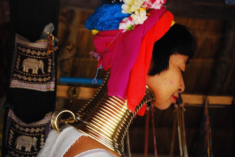 tour-mujeres-jirafa-Tailandia