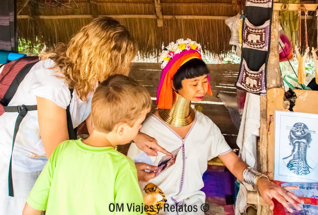Las Mujeres Cuello Largo de Tailandia