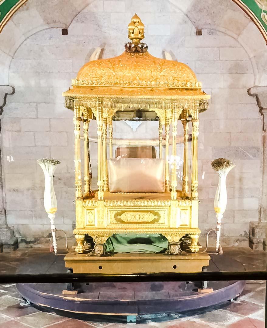 silla-oro-Mysore-Palace