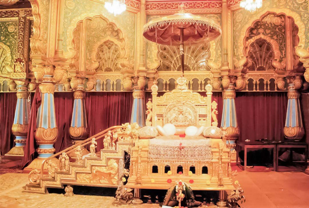 trono-oro-Mysore-palace