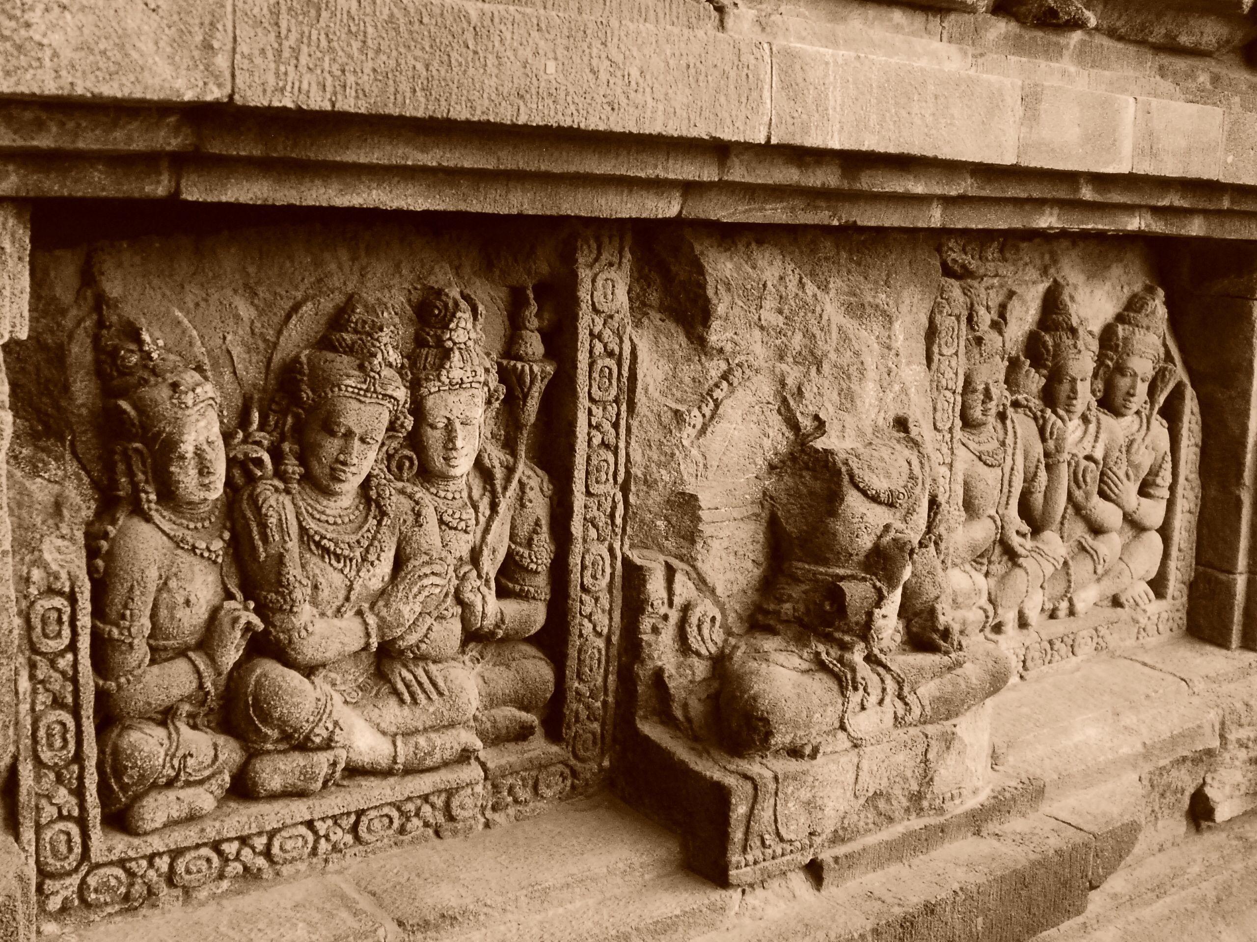 razones-para-un-viaje-a-Indonesia-templos