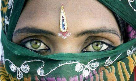 LAS MIRADAS DE LA INDIA