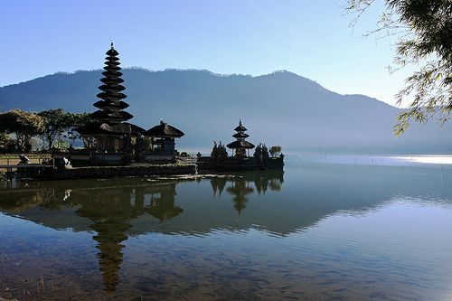 Unlun-danu-Bali