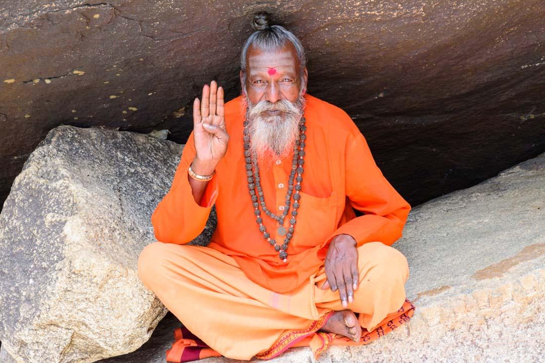 sacerdote-de-la-India
