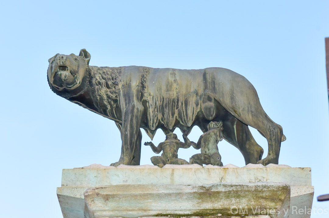 Loba-Rómulo-y-Remo-en-Roma