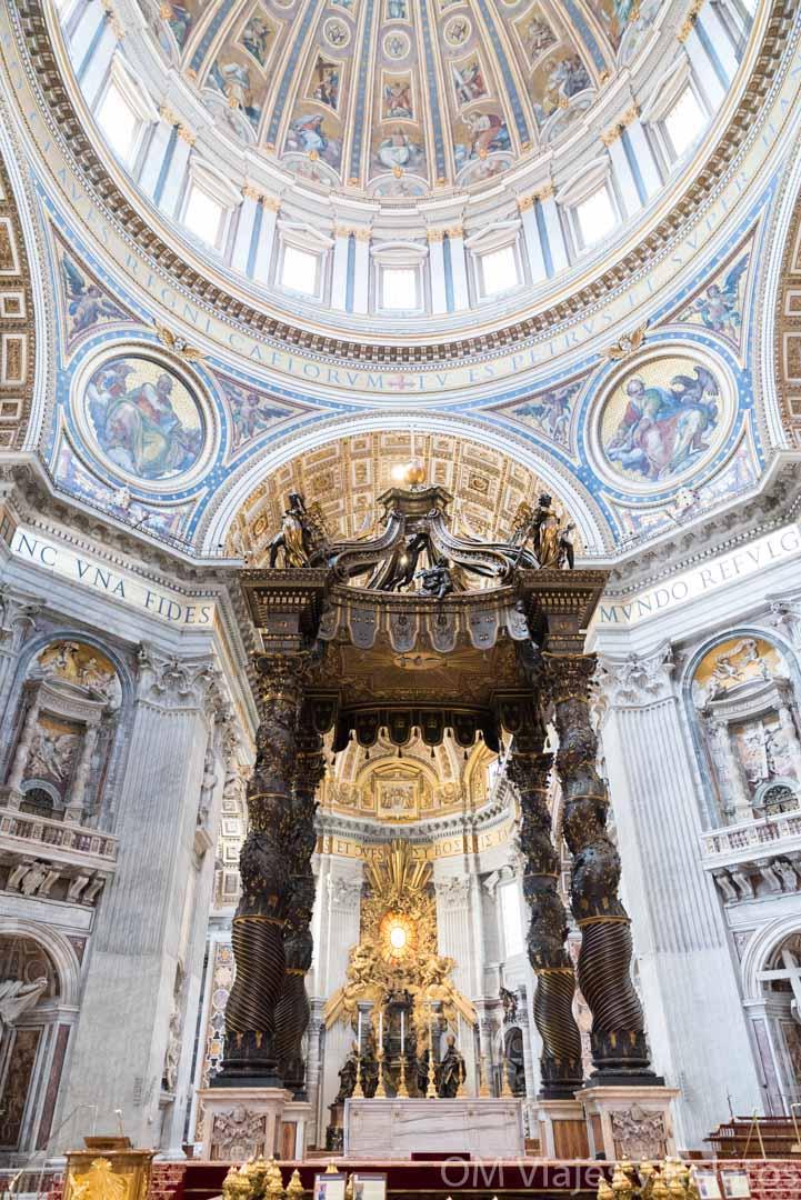 viaje-a-Roma-interior-catedral-de-San-Pedro