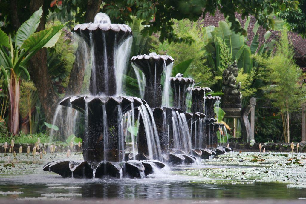 Tirta-Gangga-Palacio-Agua-Bali