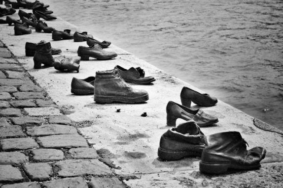 zapatos-budapest-memorial