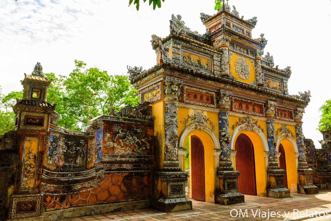 Puertas-de-la-Ciudad-Prohibida-Púrpura-de-Vietnam