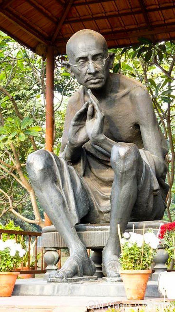 Gandhi-India-QUE-VER