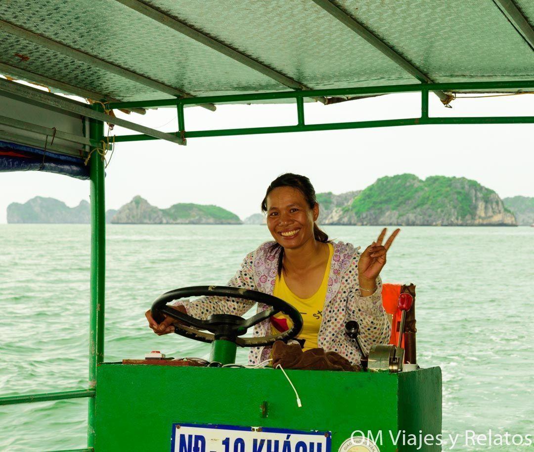 visitar-la-Bahía-de-Halong-Halong-Bay-Cruise