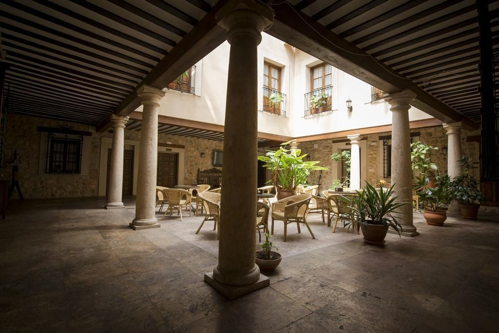 visitar-el-castillo-de-Belmonte-Hoteles