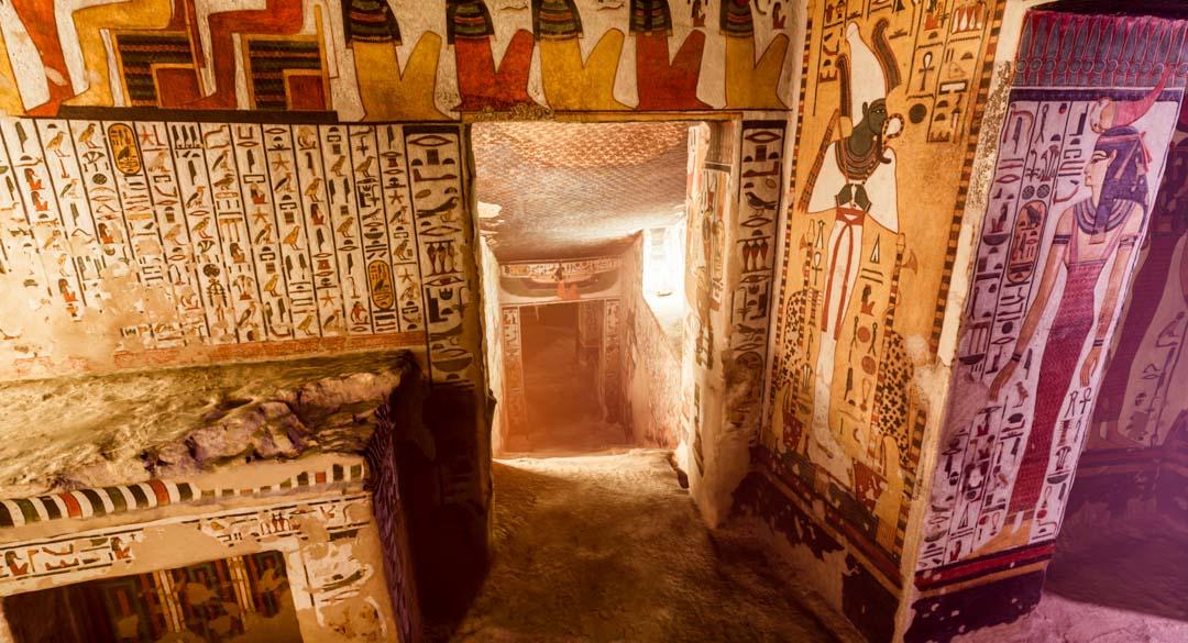 LA TUMBA DE NEFERTARI: LA TUMBA MÁS BELLA DE TODO EGIPTO