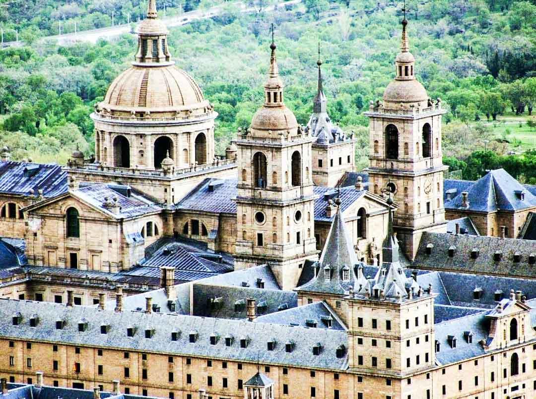 ciudades-que-ver-cerca-de-Madrid-El-Escorial
