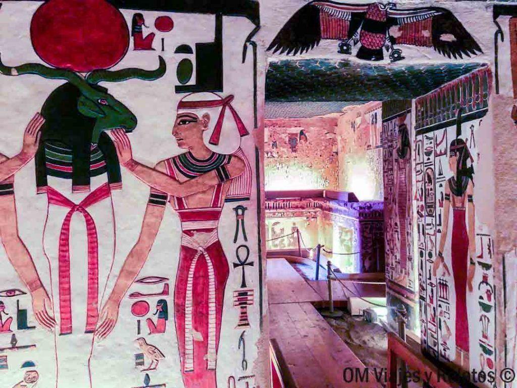 visitar-la-tumba-de-Nefertari-en-Egipto