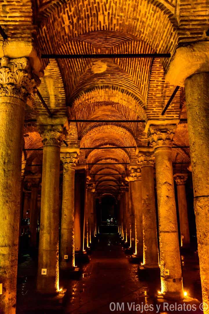 que-ver-en-Estambul-en-3-días-Cisterna-Basílica