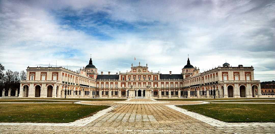 VISITAR-PALACIOS-DE-MADRID-PALACIO-ARANJUEZ