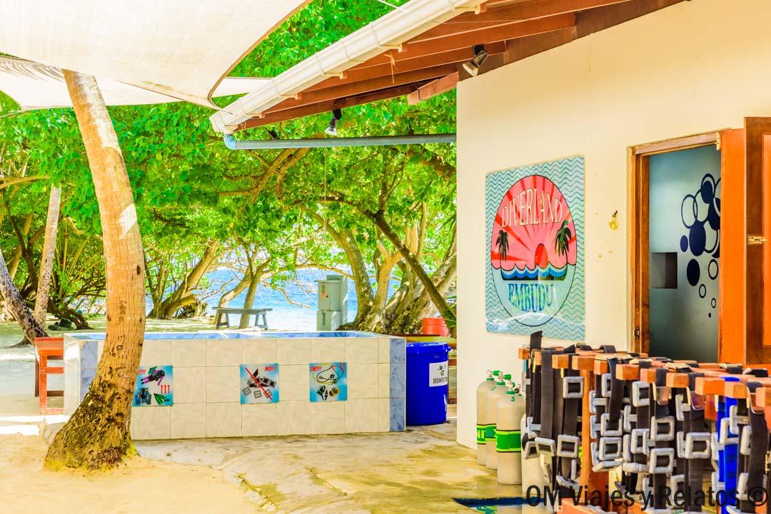 hotel-en-Maldivas-con Escuela-de-Buceo