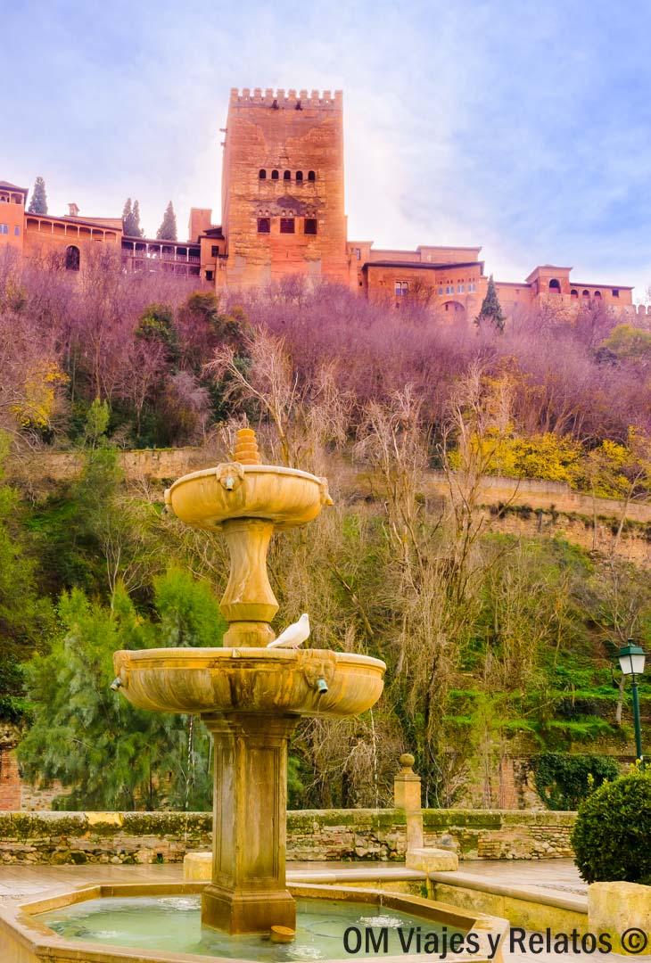 Granada-Paseo-de-los-Tristes
