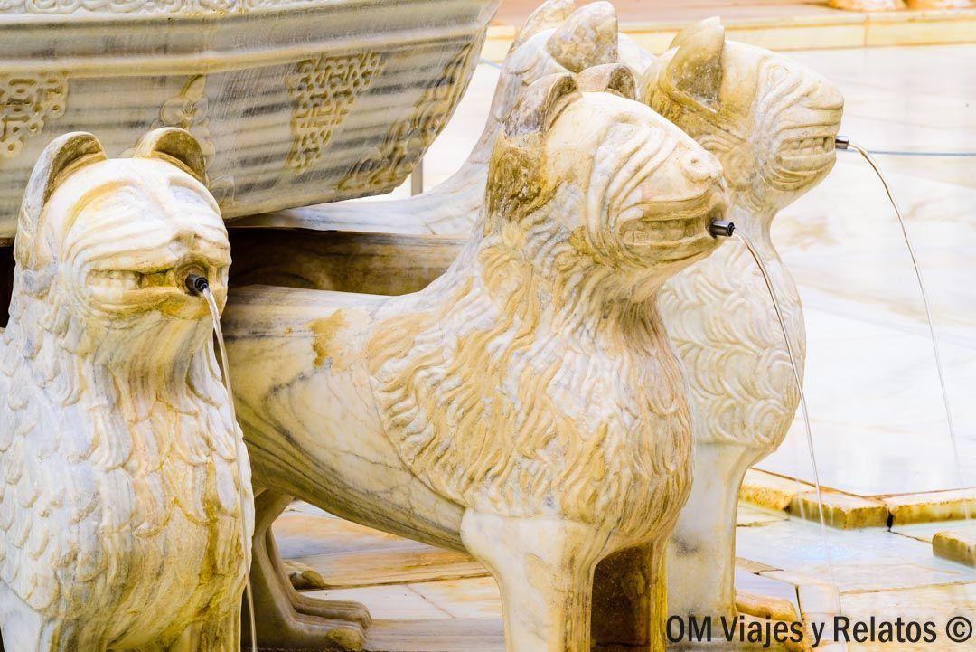 que-ver-en-Granada-patio-de-los-leones
