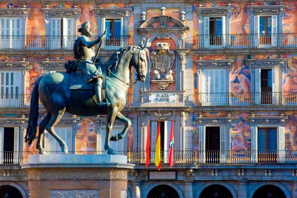que-visitar-en-Madrid-Plaza-Mayor