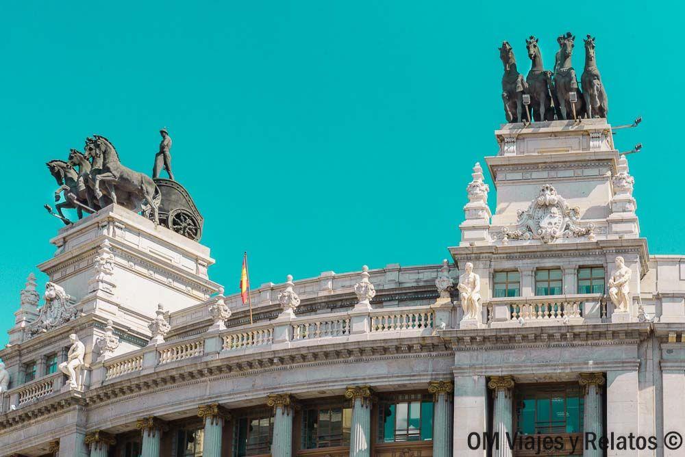 Madrid-Edificio-de-las-Cuadrigas