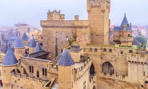 CÓMO VISITAR EL CASTILLO DE OLITE EN NAVARRA: UN PALACIO DE CUENTO