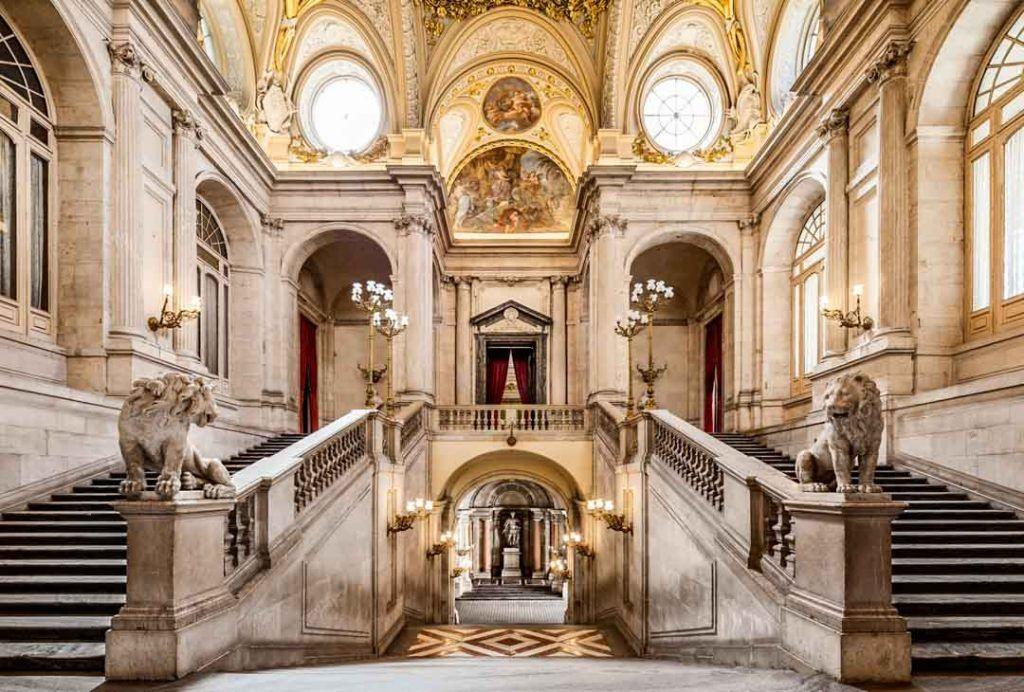 palacio-real-madrid-fantasmas