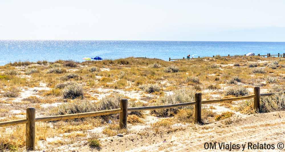 que-ver-en-Cabo-de-Gata-Playa-de-las-Salinas