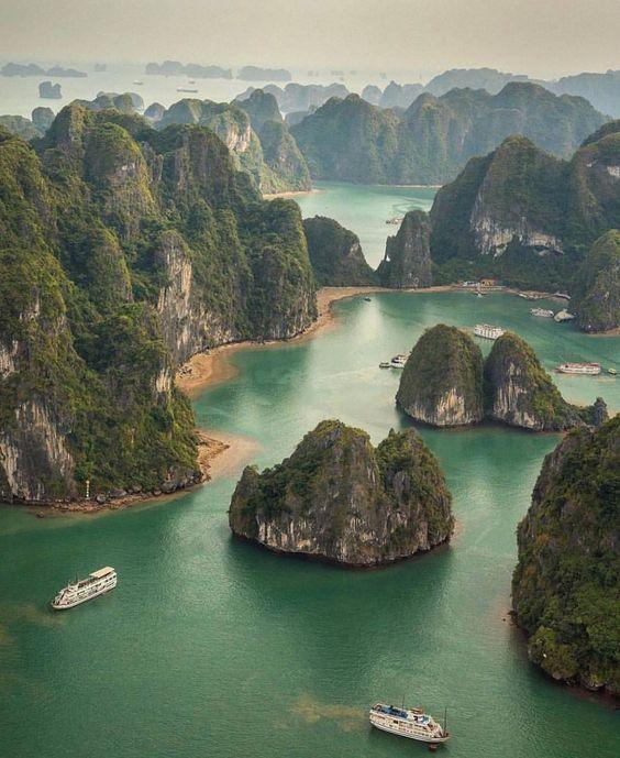 sitios-que-visitar-en-Vietnam-Bahía-de-Halong