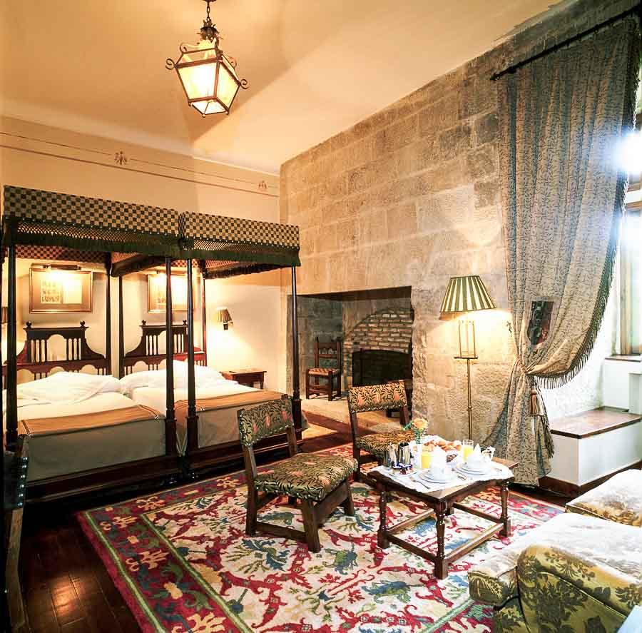 dónde-dormir-en-un-castillo-en-España-hote-parador-Olite