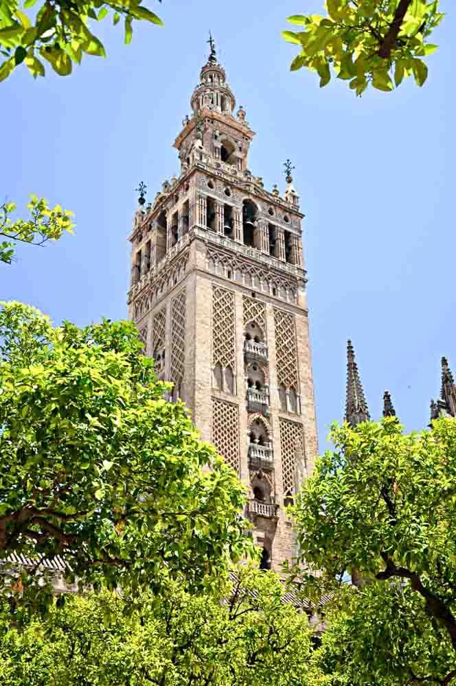 monumentos-que-ver-en-Sevilla-en-un-día-La-Giralda