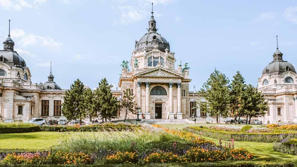 cómo-visitar-el-Balneario-Széchenyi-en-Budapest
