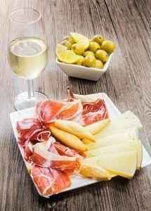 cosas-que-hacer-en-Andalucía-ir-de-tapas