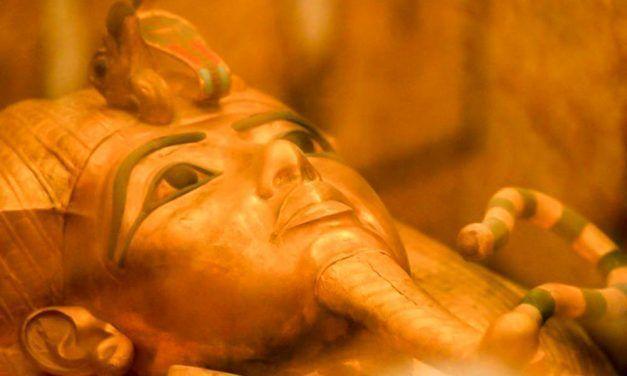 CÓMO VISITAR LA TUMBA DE TUTANKAMÓN EN EGIPTO: LO QUE NECESITAS SABER