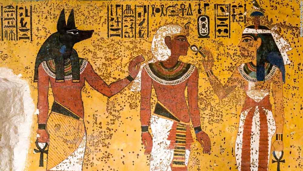 CÓMO-VISITAR-LA-TUMBA-DE-TUTANKAMÓN-EN-EGIPTO