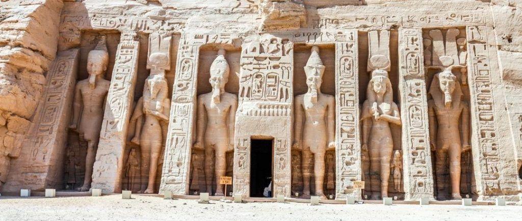 visitar-templo-de-Nefertari-Abu-Simbel